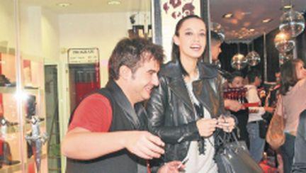 Andreea Raicu şi-a cumpărat rochii de 500 €