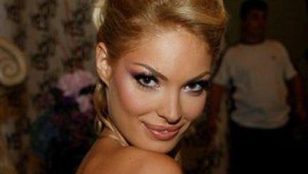 Valentina Pelinel: imaginea parfumului Grace