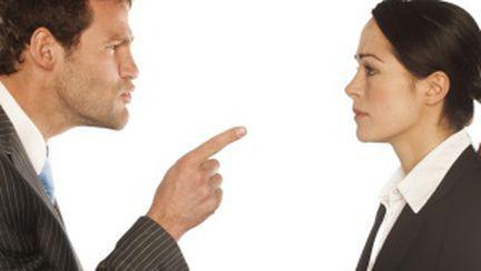 Ce să faci dacă ai un şef dificil