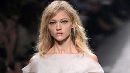 Colecţia Valentino pentru primăvară-vară 2010