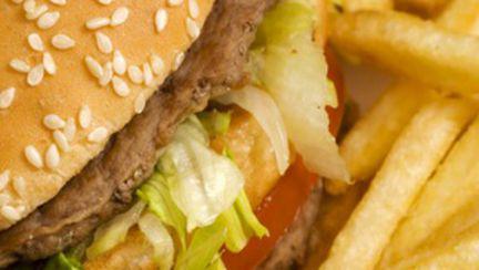 Depresiile, legate şi de junk food