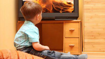 Televizorul îi face pe copii mai agresivi