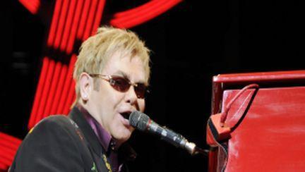 Elton John revine la Bucureşti, în iunie 2010