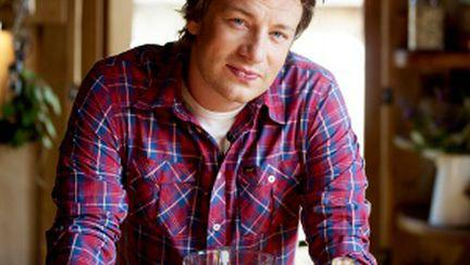 """Interviu exclusiv Jamie Oliver – """"Femeile gătesc mai bine"""""""