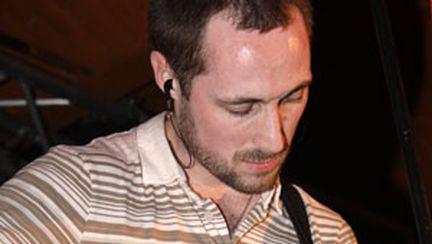 Matt Highley – fost barman, actual acţionar al Clubului Mojo