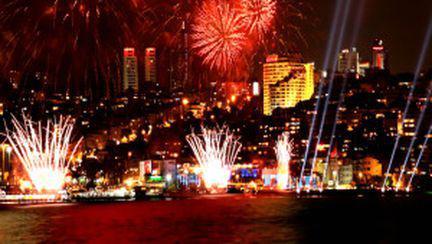 Petreceri de Revelion în pieţele din Bucureşti