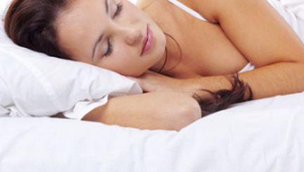 Un somn bun te ajută să slăbeşti