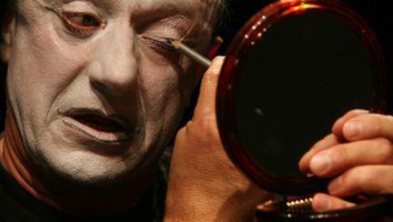 Teatrul Masca îşi mută spectacolul la metrou