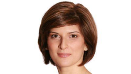 Alina Petrescu îi dă la o parte pe Alessandra Stoicescu şi Lucian Mîndruţă