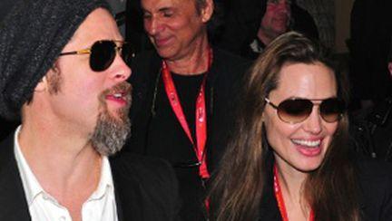 "Brad Pitt şi Angelina Jolie dau în judecată  ""News of the World"""