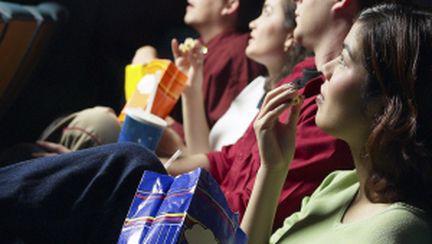 Noi premiere la teatru şi cinema
