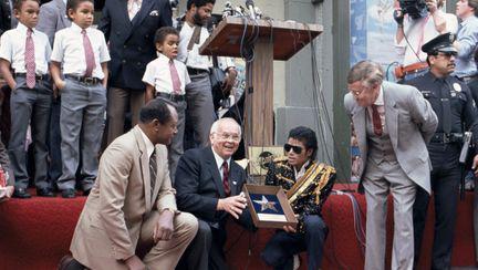 Michael Jackson câştigă milioane de dolari