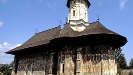 Paştele în 10 mănăstiri din România