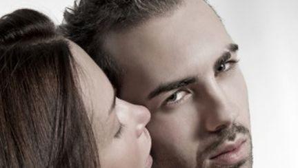 5 tehnici de sex oral cu care să-l cucereşti