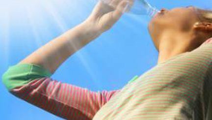 Cum supravieţuieşti caniculei fără aer condiţionat