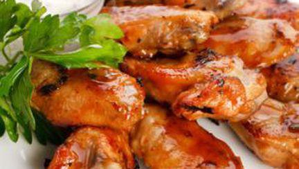 Aripioare de pui: picante, la cuptor sau dulci-acrişoare?