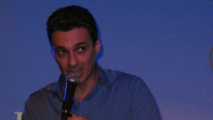 Mircea Badea cântă în Hard Rock Cafe