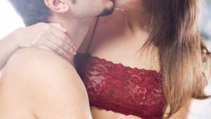 10 poziţii de sex simple, dar incitante