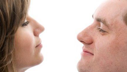 15 diferenţe de comunicare între femei şi bărbaţi