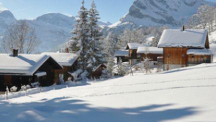 Cele mai ieftine oferte de iarnă pentru ski