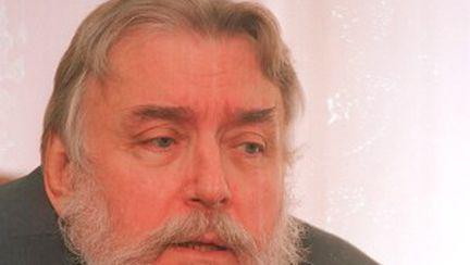 A murit Adrian Păunescu