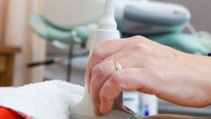 Simptome şi tratament pentru chisturile ovariene