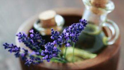 Cum să-ţi creezi singură parfumul