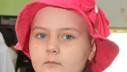 Alexandra, 8 ani, leucemie