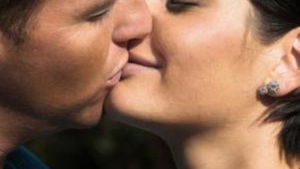 Diferenţa dintre iubire şi atracţie sexuală