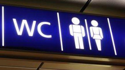 Cum se comportă oamenii la toaletă
