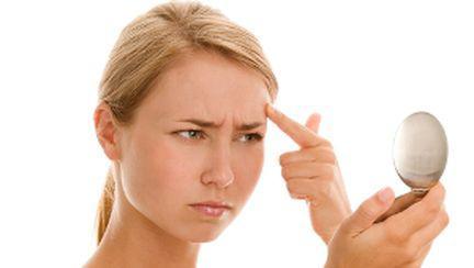 10 tratamente naturiste pentru combaterea acneei