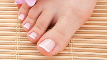 Reţete naturiste pentru picioare şi tălpi mai fine