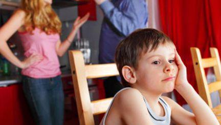 Cum îi protejezi pe copii de certurile din cuplu