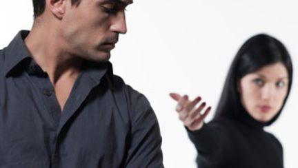 De ce dispar bărbaţii fără o vorbă?