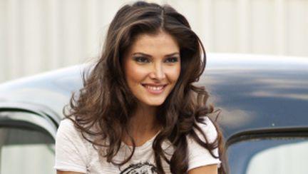 25 de întrebări despre modă şi frumuseţe cu Alina Puşcaş