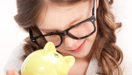 Îi dai sau nu bani de buzunar copilului tău?