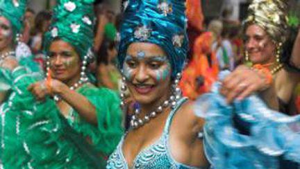 Video: Iată cum se distrează brazilienii la carnaval