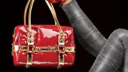 De ce este periculoasă o geantă prea grea