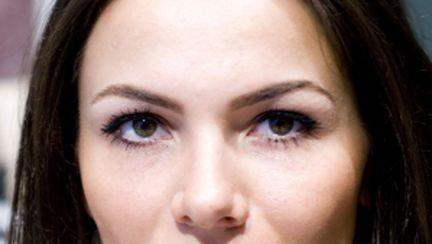 Video: Învaţă de la Anastasia Soare cum să te pensezi corect!