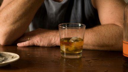 Ce faci dacă partenerul tău e dependent de alcool?