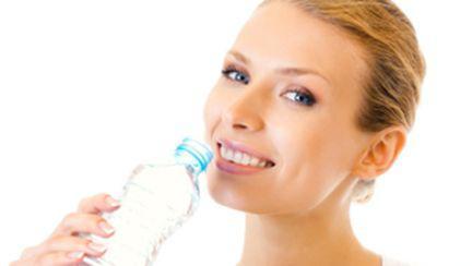 Cât de importantă este apa pentru frumuseţe