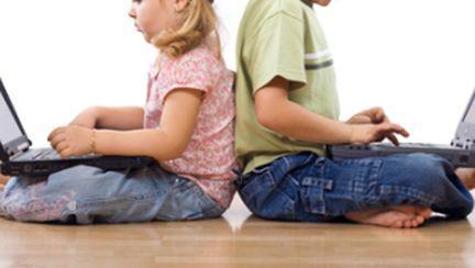 Cât de gravă e dependenţa de calculator a copilului