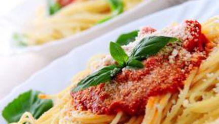 Spaghete cu sos de roşii