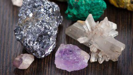 La ce foloseşte terapia cu cristale