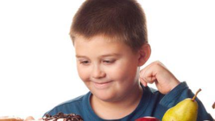 Cum îţi poţi ajuta copilul supraponderal