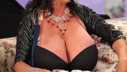 Foto: femeia cu cei mai puternici sâni