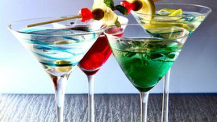 Video: Cocktailuri răcoritoare pentru vară