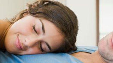 Părerea lui: poziţii de dormit în cuplu