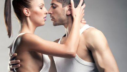 Top 3 poziţii sexuale care te ajută să slăbeşti
