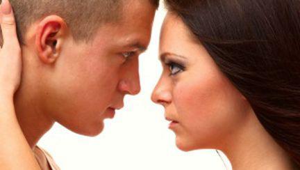 5 semne că se gândeşte la altă femeie în timpul sexului